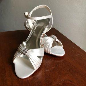 Ivory Satin wedding Sandals small heel size  7.5